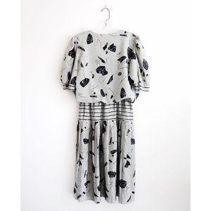 Vintage Silver Abstract Pattern Blouson Midi Dress